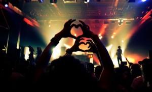 Festival hand love