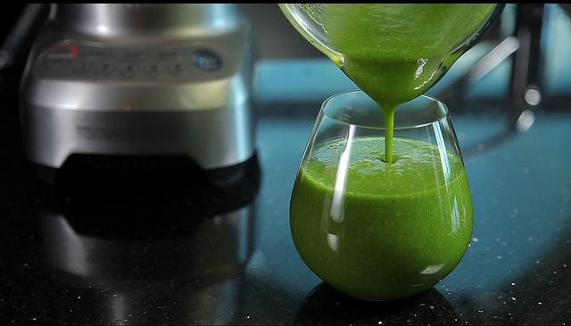 DIY Nettle & Cleaver Spring Juice